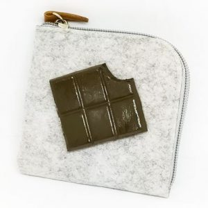MONEDERO FIELTRO_GRIS_CHOCOLATE